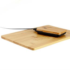 Set USB Mouse óptico + Pad 100% de madera de Bamboo. Incluye cable y conector USB.
