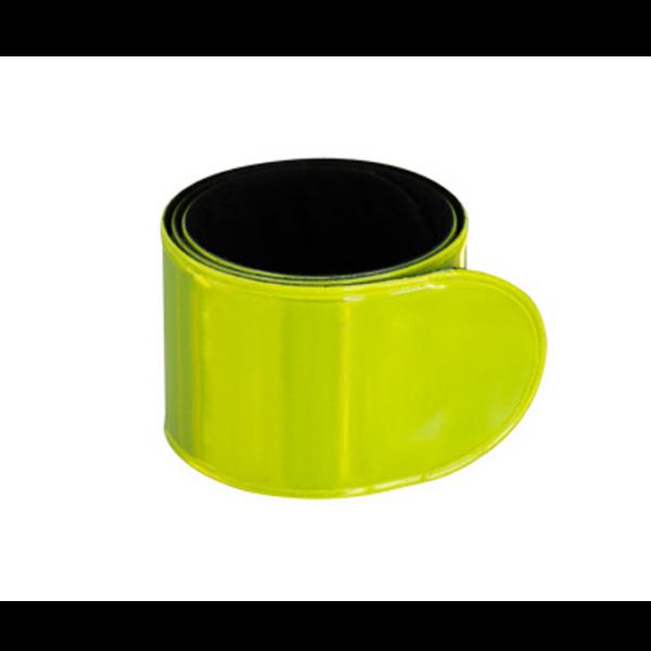 Banda Reflectante Retráctil, para uso nocturno. Reverso negro aterciopelado. Ideal para usar en muñeca, brazo y tobillo. Presentación en bolsita transparente de polipropileno con orificio para ganchera.